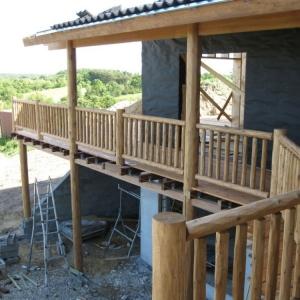 Kiln dried cedar deck railing