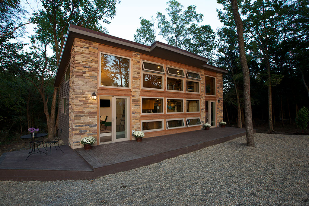 Tiny house nation woodhaven for Tiny house photo gallery